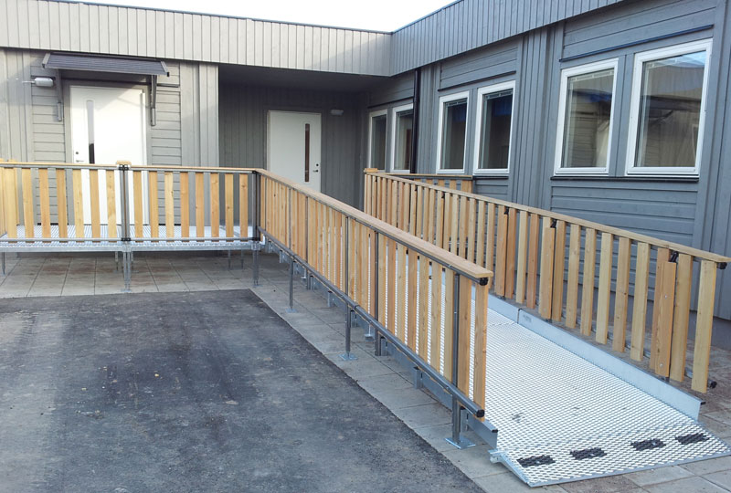 Trident rullstolsramp Modulbyggnad - Skola